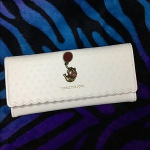 Loungefly Disney Winnie The Pooh Bees Wallet